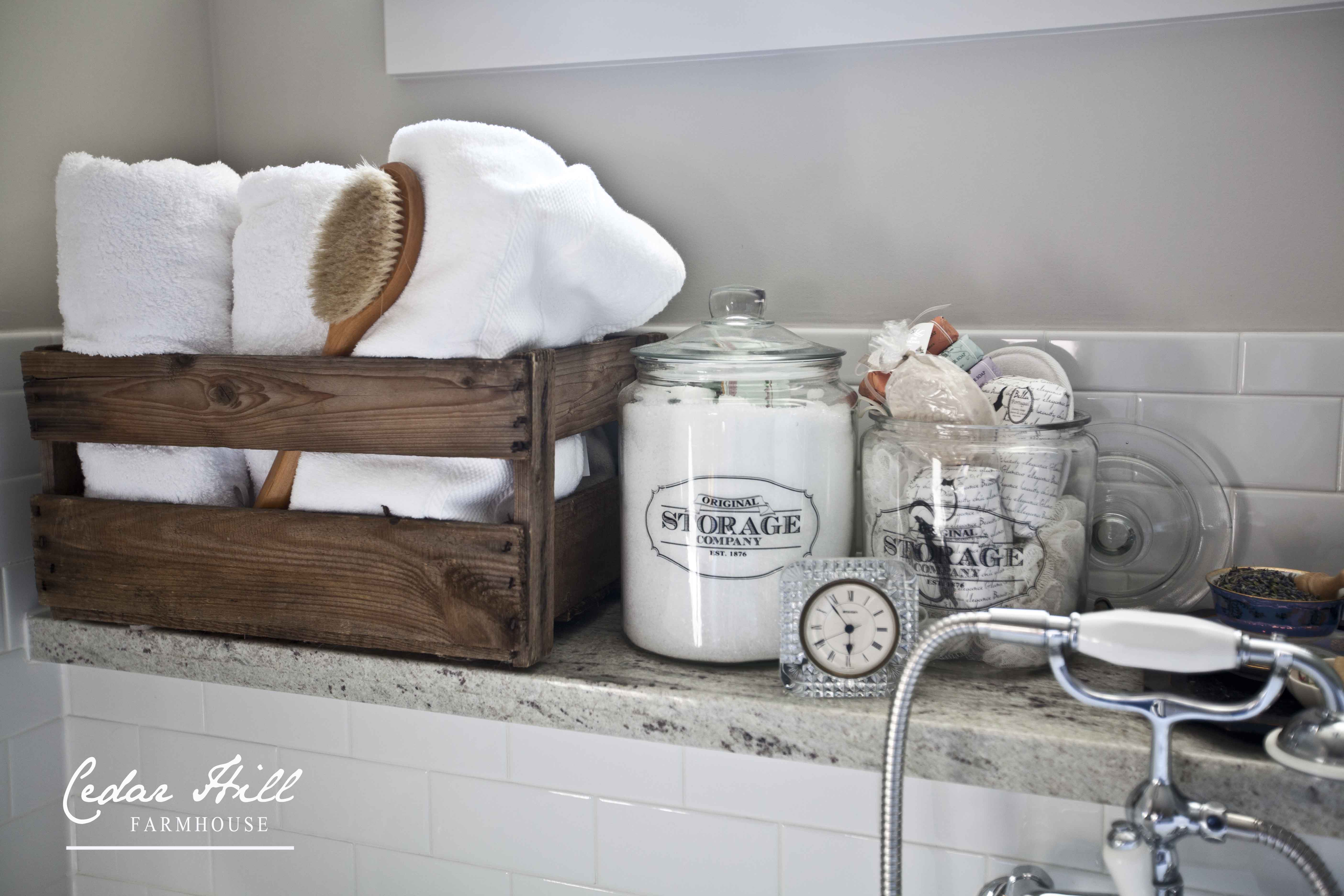 Pedestal tub with towels and soaps