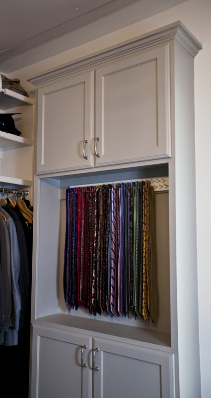 The peg board, Ways to organize ties
