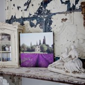 shelf-with-lavender-print
