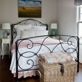 guest-quarters-bed-with-basket
