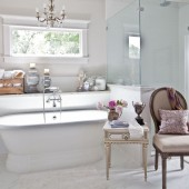 chair-and-pedestal-tub