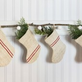 mini-grain-sack-christmas-stockings-red