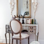 French-chair-and-vanity